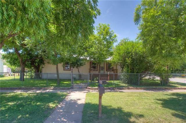 300 SW 4th Avenue, Mineral Wells, TX 76067 (MLS #14142764) :: Kimberly Davis & Associates