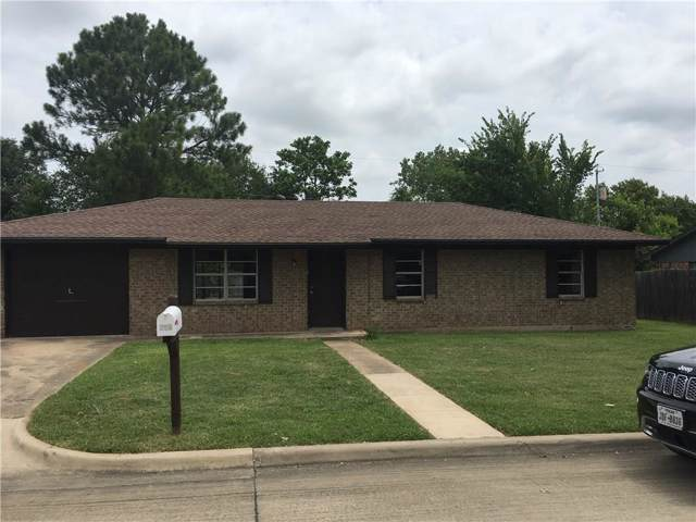 205 Wayne Drive, Sanger, TX 76266 (MLS #14143268) :: RE/MAX Town & Country