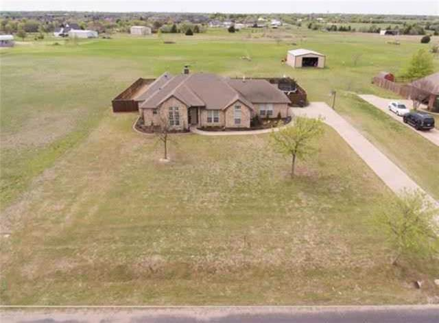 5621 Plainview Road, Midlothian, TX 76065 (MLS #14144148) :: RE/MAX Town & Country