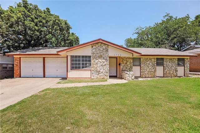 1704 Windlea Drive, Euless, TX 76040 (MLS #14144955) :: Tenesha Lusk Realty Group