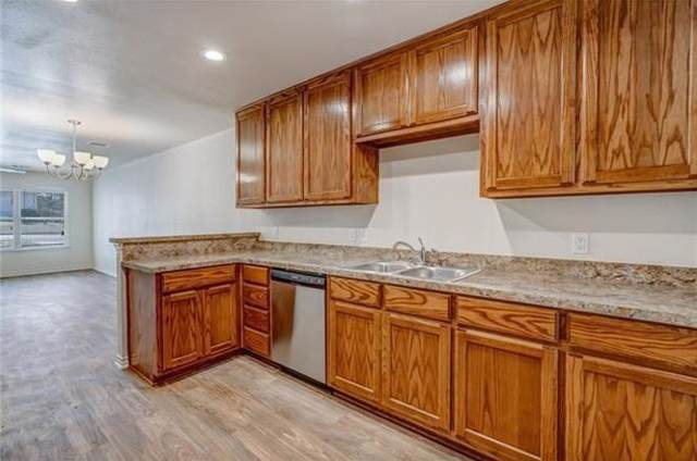 1404 Elmwood Avenue, Fort Worth, TX 76104 (MLS #14146005) :: Lynn Wilson with Keller Williams DFW/Southlake