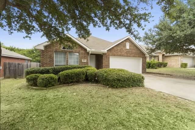 2855 Bronco Drive, Dallas, TX 75237 (MLS #14146416) :: The Paula Jones Team | RE/MAX of Abilene