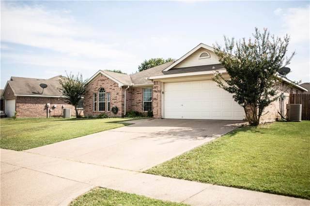409 Barbara Jean Lane, Burleson, TX 76028 (MLS #14146567) :: The Mitchell Group