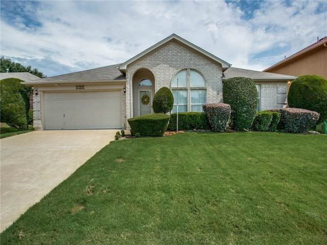 4209 Highgrove Drive, Arlington, TX 76001 (MLS #14148457) :: Frankie Arthur Real Estate