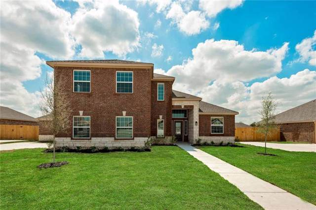 703 W Milas, Glenn Heights, TX 75154 (MLS #14149552) :: The Good Home Team