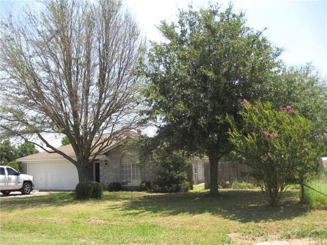 305 Oakview Drive, Springtown, TX 76082 (MLS #14150865) :: The Real Estate Station