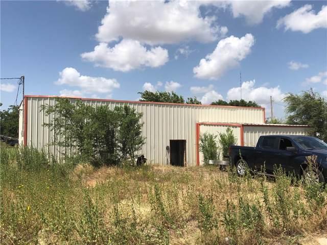 406 Wilbarger Street, Vernon, TX 76384 (MLS #14151115) :: The Mauelshagen Group