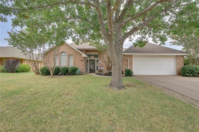 111 Driftwood Lane, Waxahachie, TX 75165 (MLS #14153439) :: Vibrant Real Estate