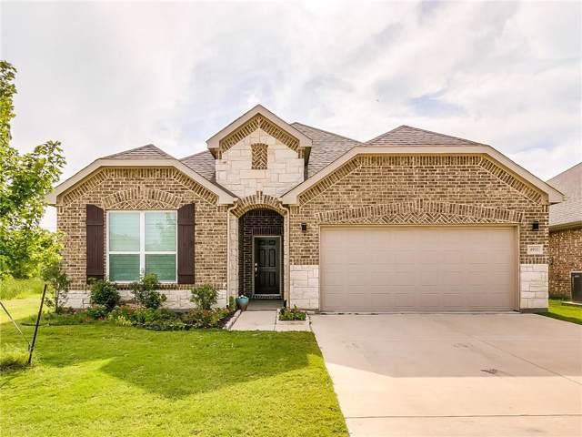 4933 Meadow Falls Drive, Fort Worth, TX 76244 (MLS #14153997) :: Kimberly Davis & Associates