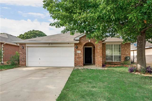 4319 Quail Field Drive, Arlington, TX 76001 (MLS #14154363) :: Frankie Arthur Real Estate