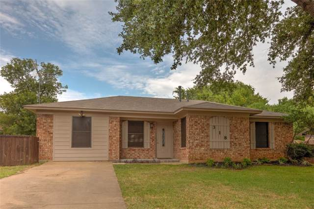 318 E Wilson Avenue, Pilot Point, TX 76258 (MLS #14154852) :: All Cities Realty