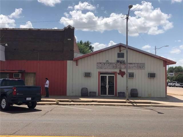 1400 Main Street, Vernon, TX 76384 (MLS #14155733) :: The Mauelshagen Group