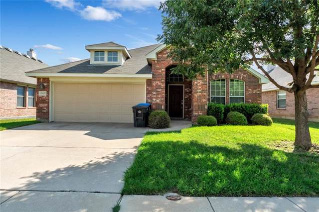 15432 Yarberry Drive, Fort Worth, TX 76262 (MLS #14156044) :: NewHomePrograms.com LLC
