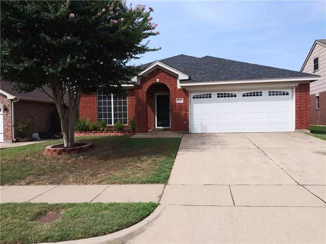 6614 Spartan Drive, Arlington, TX 76001 (MLS #14158516) :: Frankie Arthur Real Estate