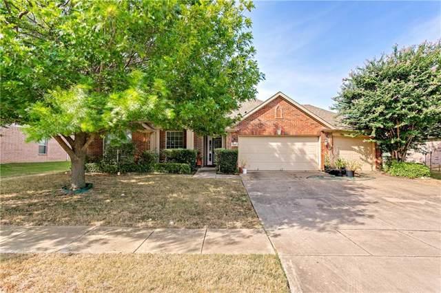 1527 Hidden Cove Drive, Grand Prairie, TX 75050 (MLS #14160053) :: The Hornburg Real Estate Group