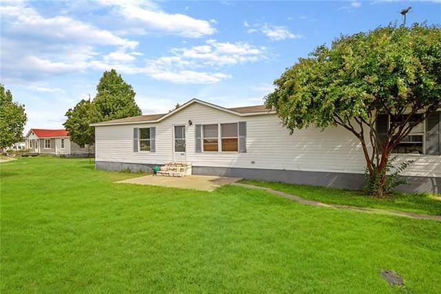 825 Spring Town Road, Van Alstyne, TX 75495 (MLS #14161011) :: NewHomePrograms.com LLC