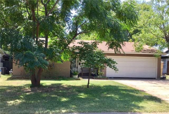 2622 Brady Lane, Grand Prairie, TX 75052 (MLS #14161170) :: Ann Carr Real Estate