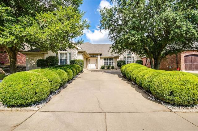 2956 Lakeview Circle, Burleson, TX 76028 (MLS #14162978) :: Real Estate By Design