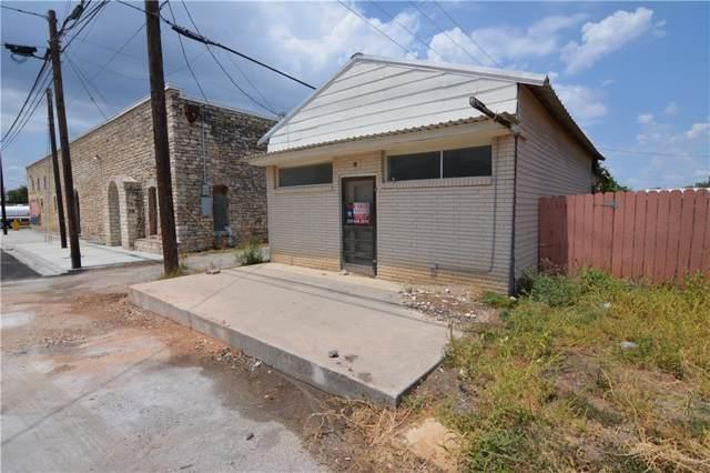904 3rd, Goldthwaite, TX 76844 (MLS #14163623) :: The Real Estate Station