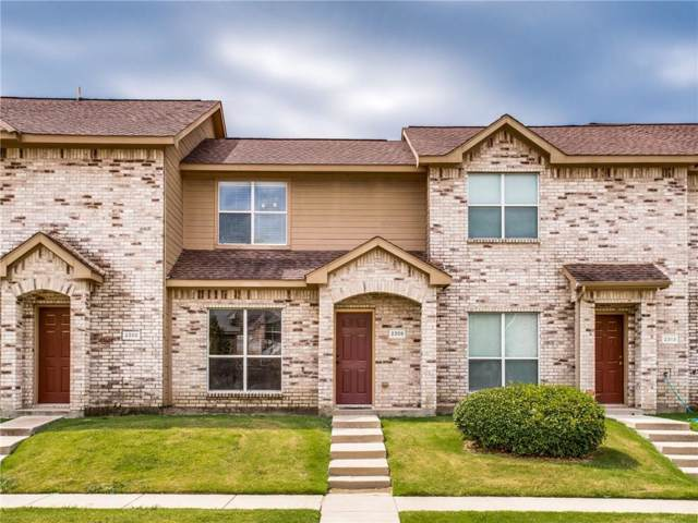 2309 Homewood Lane, Grand Prairie, TX 75050 (MLS #14164812) :: The Heyl Group at Keller Williams