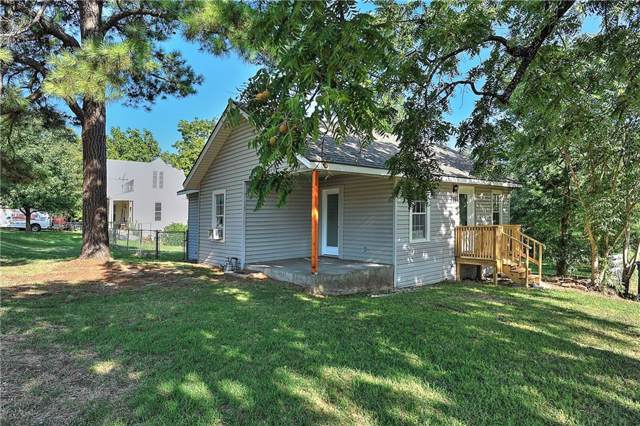 321 S Perry Avenue, Denison, TX 75020 (MLS #14165033) :: The Heyl Group at Keller Williams