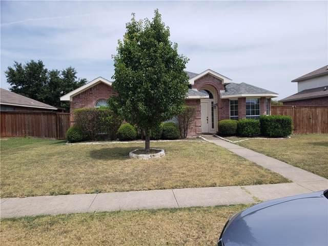 1017 Weaver Street, Cedar Hill, TX 75104 (MLS #14166088) :: Maegan Brest | Keller Williams Realty