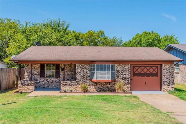 609 18th Street, Grand Prairie, TX 75050 (MLS #14166914) :: The Kimberly Davis Group