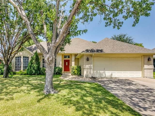 832 Willow Court, Saginaw, TX 76179 (MLS #14168024) :: Team Hodnett