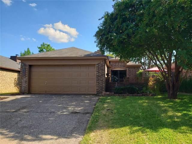 10611 Tall Oak Drive, Fort Worth, TX 76108 (MLS #14168209) :: Kimberly Davis & Associates