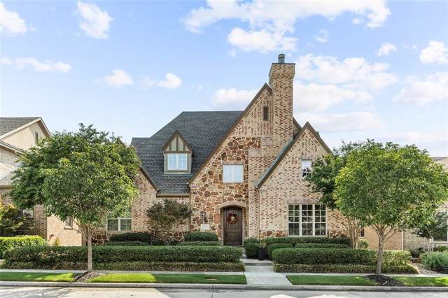 2204 Emerson Lane, Carrollton, TX 75010 (MLS #14168948) :: RE/MAX Town & Country