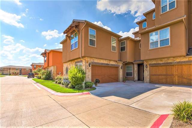 7305 Venice Drive #1, Grand Prairie, TX 75054 (MLS #14169097) :: The Chad Smith Team