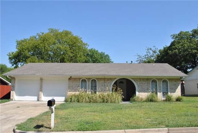 903 Warrington Court, Arlington, TX 76014 (MLS #14169563) :: RE/MAX Town & Country