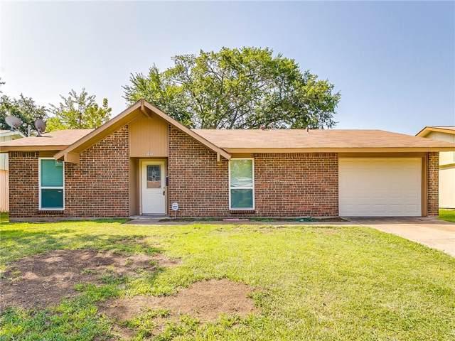 1017 Las Palmas Drive, Grand Prairie, TX 75052 (MLS #14169766) :: Ann Carr Real Estate