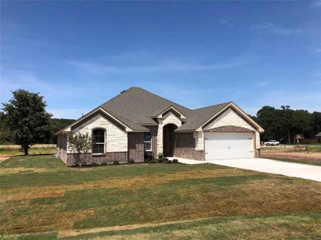 305 Courtney Circle, Granbury, TX 76049 (MLS #14169780) :: RE/MAX Town & Country