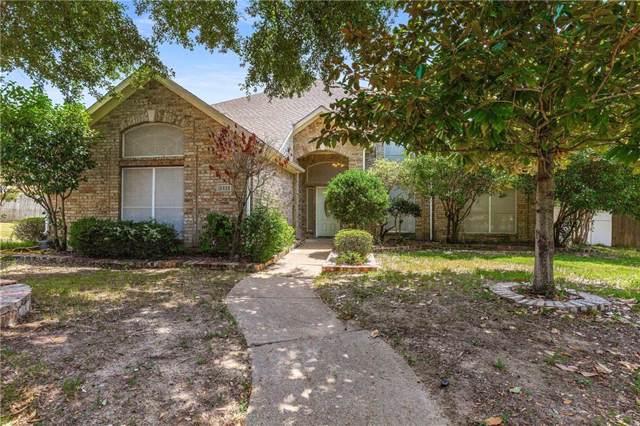 2236 Cross Timber Drive, Mesquite, TX 75181 (MLS #14170159) :: The Paula Jones Team | RE/MAX of Abilene