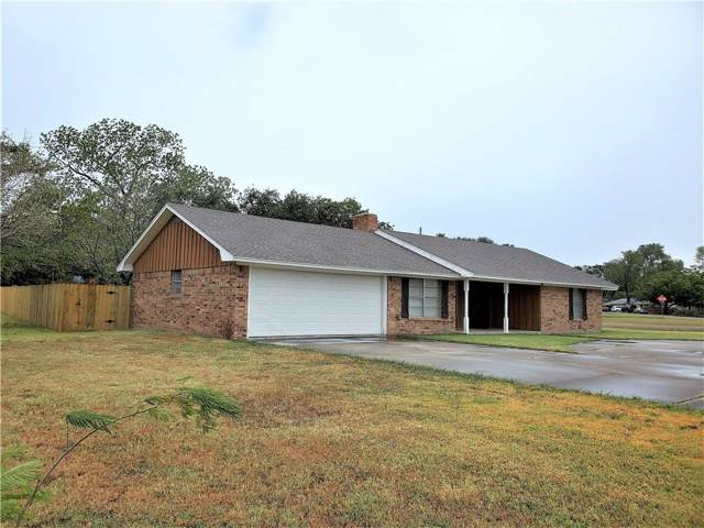 800 S Bosque Street, Whitney, TX 76692 (MLS #14171401) :: RE/MAX Town & Country
