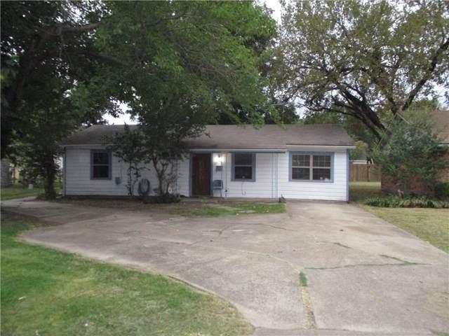 1710 S Jackson Street, Kaufman, TX 75142 (MLS #14171941) :: NewHomePrograms.com LLC