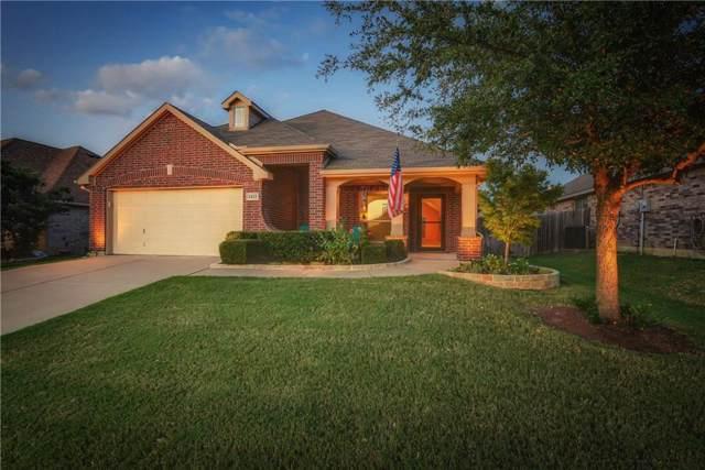 1411 Fox Glen Trail, Mansfield, TX 76063 (MLS #14172173) :: RE/MAX Town & Country