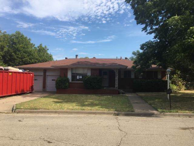 2505 SE 11th Street, Mineral Wells, TX 76067 (MLS #14174927) :: The Chad Smith Team
