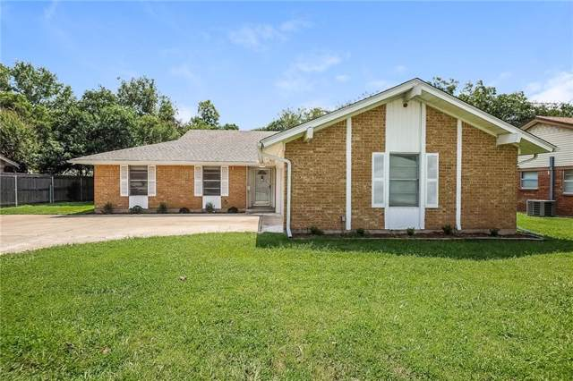 8913 Mahan Drive, Benbrook, TX 76116 (MLS #14176816) :: Potts Realty Group