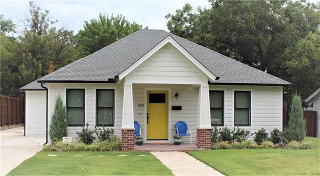 317 E Franklin Street, Grapevine, TX 76051 (MLS #14179388) :: The Kimberly Davis Group