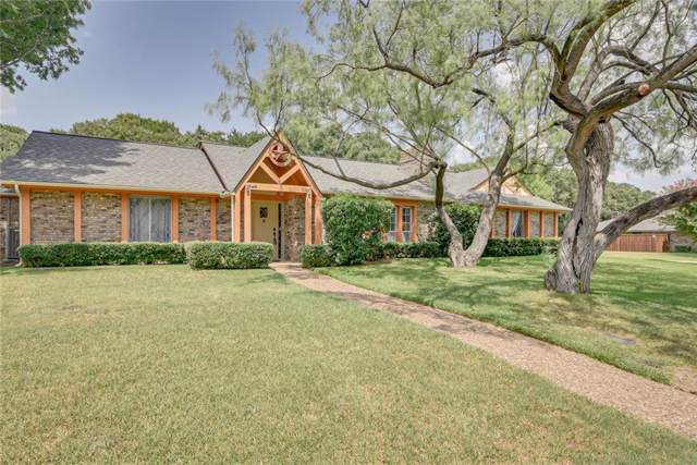 18005 Saddlehorn Lane, Mansfield, TX 76063 (MLS #14179808) :: All Cities Realty