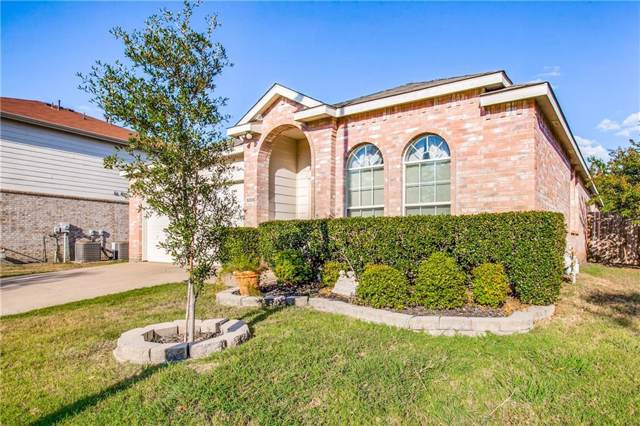 5008 Boots And Saddle Court, Grand Prairie, TX 75052 (MLS #14180314) :: Lynn Wilson with Keller Williams DFW/Southlake