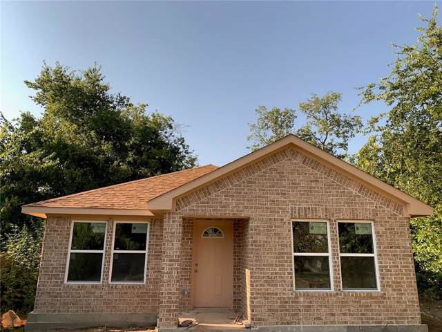 932 E Davis Avenue, Fort Worth, TX 76104 (MLS #14180889) :: The Heyl Group at Keller Williams