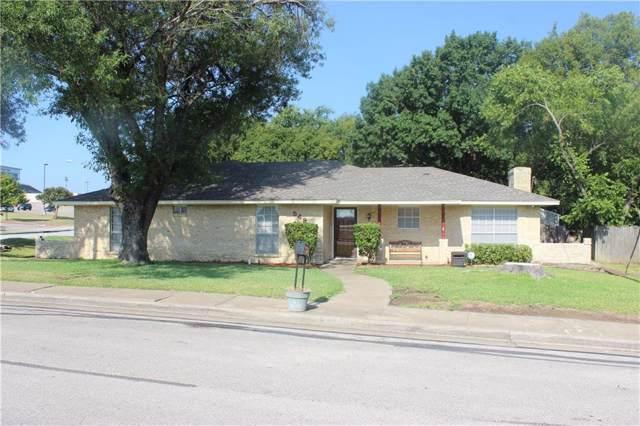 529 Sharp Drive, Desoto, TX 75115 (MLS #14183000) :: Kimberly Davis & Associates