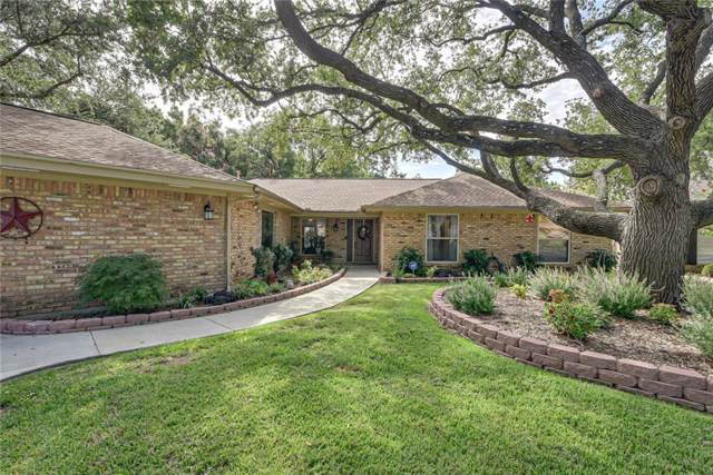 2200 Briarwood Boulevard, Arlington, TX 76013 (MLS #14183693) :: Lynn Wilson with Keller Williams DFW/Southlake