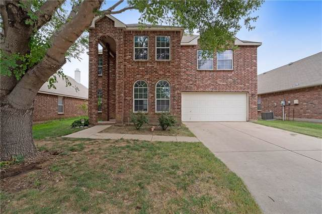 1905 Creek Crossing Drive, Fort Worth, TX 76247 (MLS #14184289) :: All Cities Realty