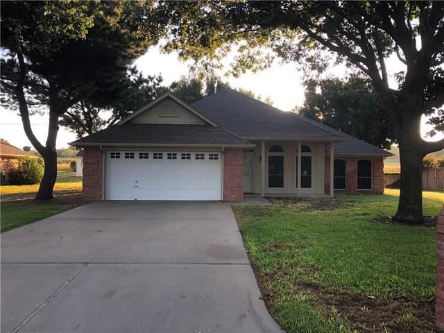 1111 Calinco Drive, Granbury, TX 76048 (MLS #14185737) :: The Paula Jones Team | RE/MAX of Abilene