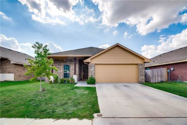 2833 Pacifico Way, Fort Worth, TX 76111 (MLS #14186180) :: Kimberly Davis & Associates