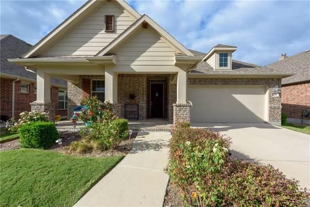 825 Hayden Lane, Savannah, TX 76227 (MLS #14186666) :: The Paula Jones Team | RE/MAX of Abilene